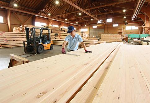大規模空間を可能にする志田材木店の高性能大断面集成材